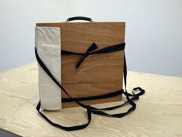 The Bunk Box packed measures 55 x 40 x 20 cm/